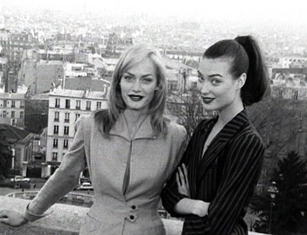 Amber Valletta and Shalom Harlow had an off-set friendship that translated into an on-set synergy; the faces behind some of the most iconic '90s fashion moments, from Fabien Baron's Harper's Bazaar to MTV's House of Style